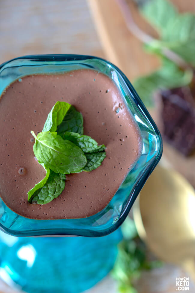 Thisketo chocolate mint puddingis SO rich and decadent - every spoonful is pure bliss!