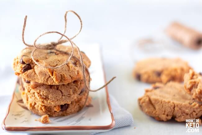 We put two of the best cookies together to make these keto peanut butter chocolate chip cookies! Super decadent AND low carb!