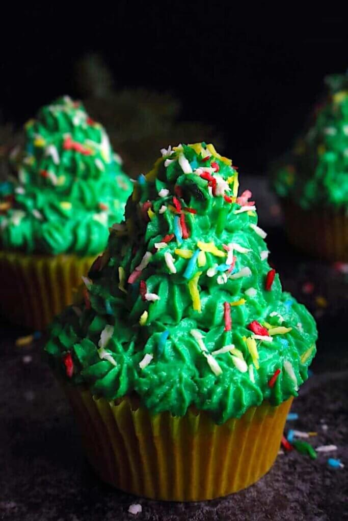keto Christmas tree cupcakes
