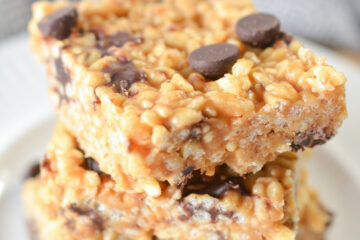 keto friendly peanut butter rice krispie treats with chocolate chips