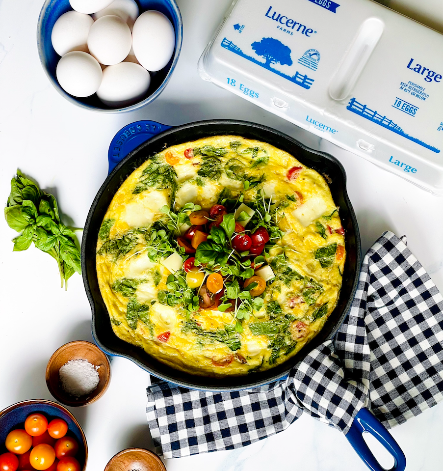 spinach frittata in iron skillet