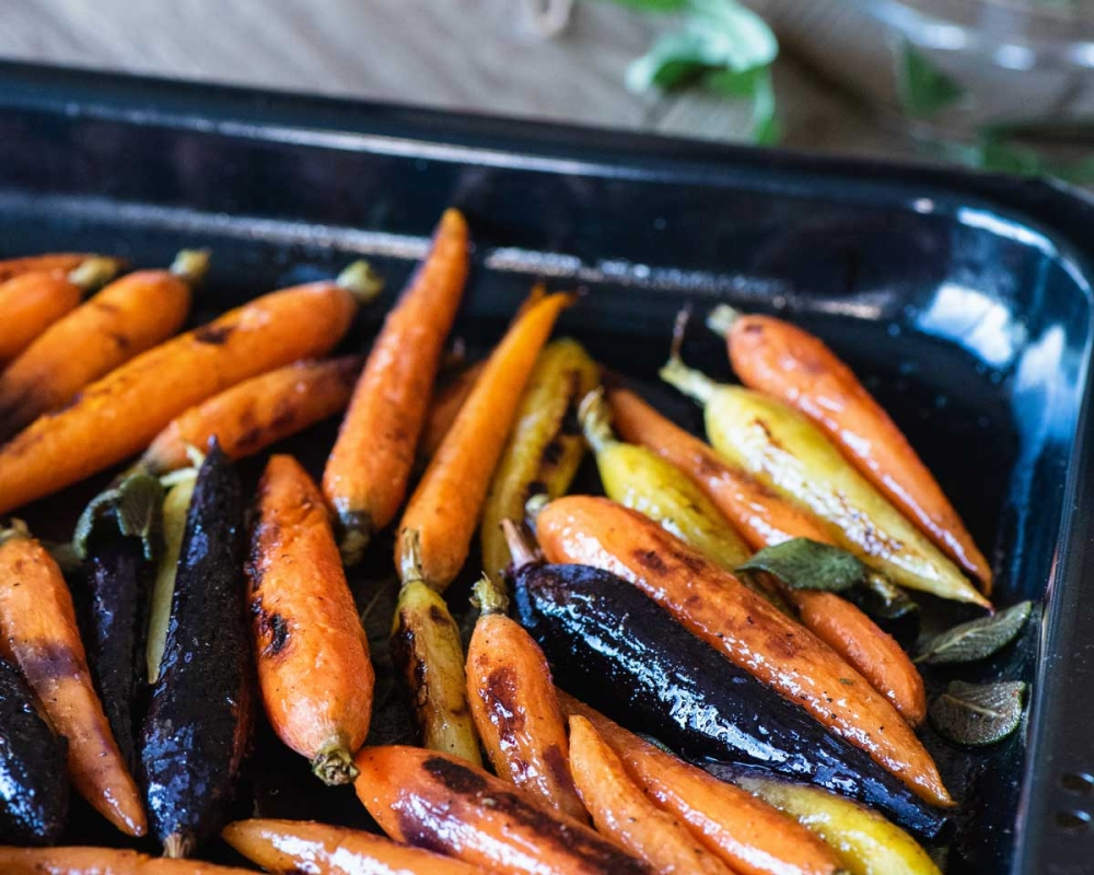 roasted carrots in sheet pan