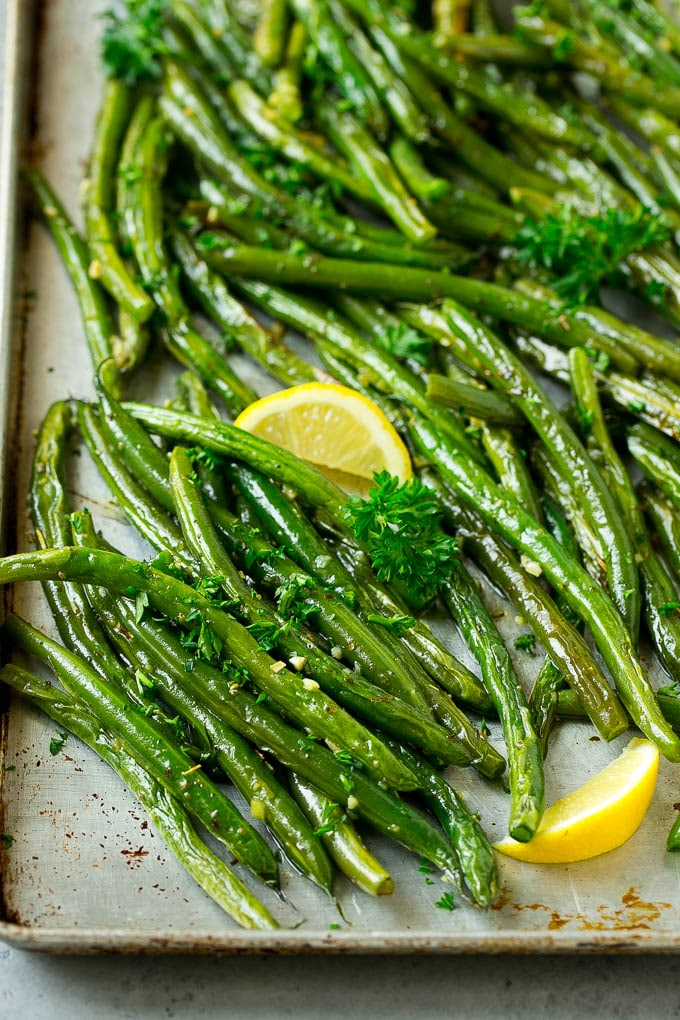 green beans in sheet pan